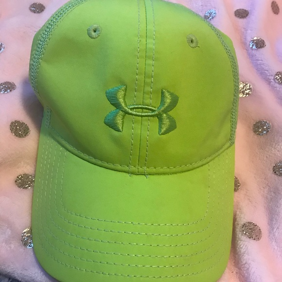 new arrival 070a8 8c805 Lime Green Under Amour Hat. M 5a6e648a077b9721ad14c30d